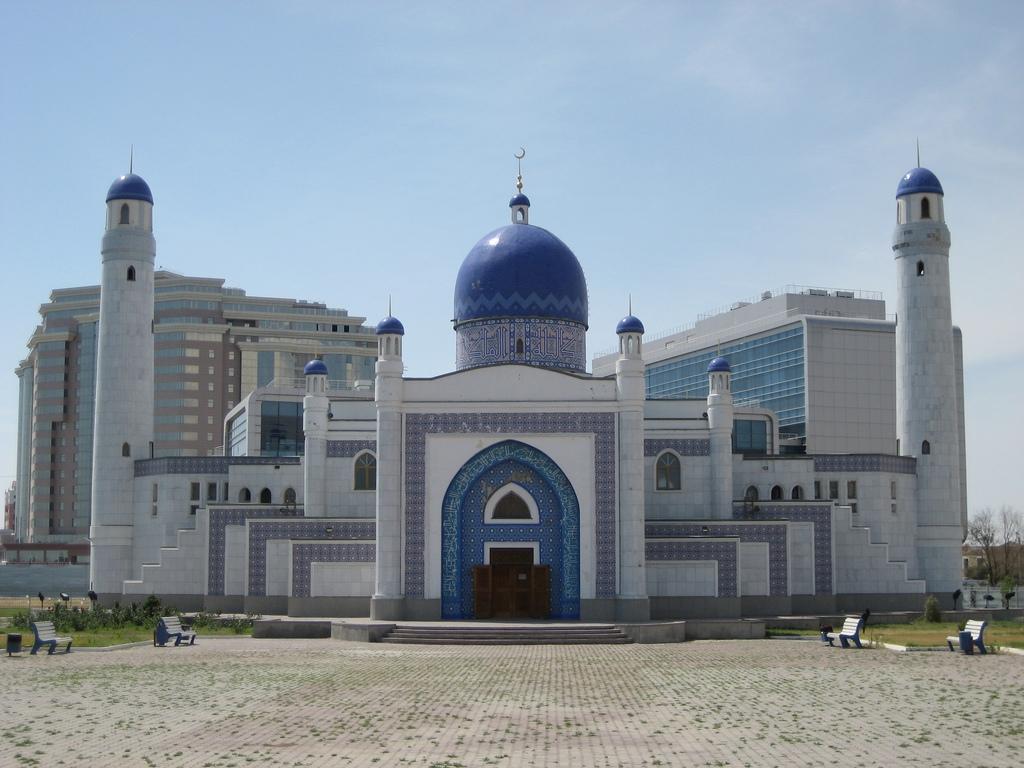 Мечеть в г. Атырау - Казахстан.