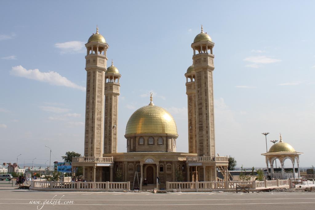 Чечня мечеть у Аэропорта города Грозный мечети Чечни фото мечети