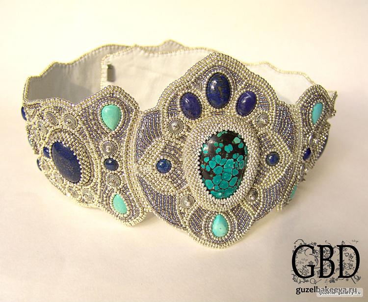Многие девушки, наверняка, захотят научиться делать такие красивые украшения, специально для этого предлагаю...