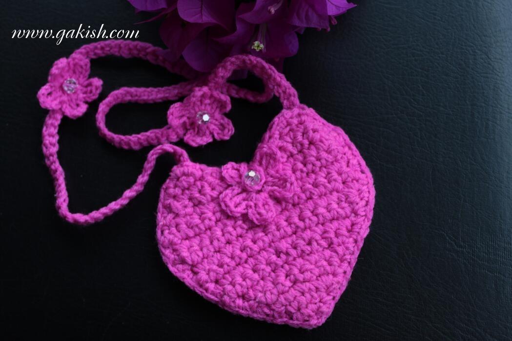 Описание: Схема вязания сумочки для девочек.