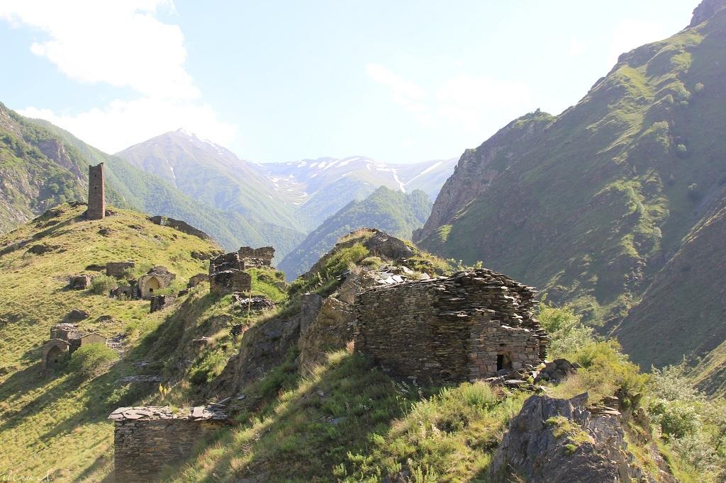 tourism-in-chechnya-itum-kale-mertvyi-gorod-23