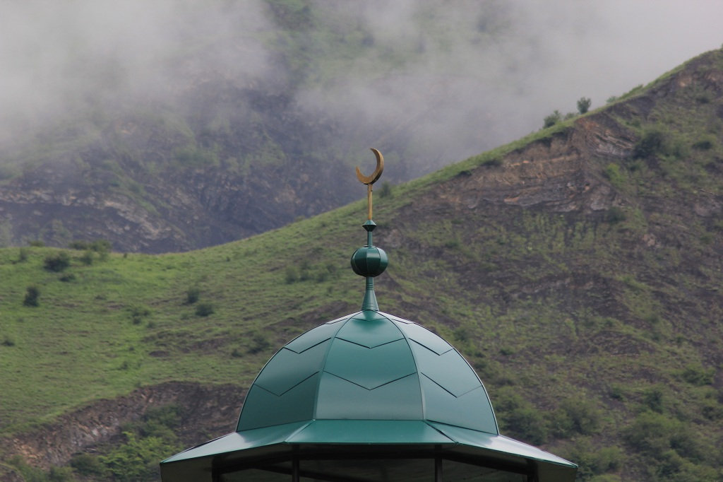 tourism-in-chechnya-itum-kale-mertvyi-gorod-65